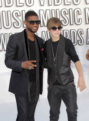 justin-bieber-mtv-mva-awards-2010_281429